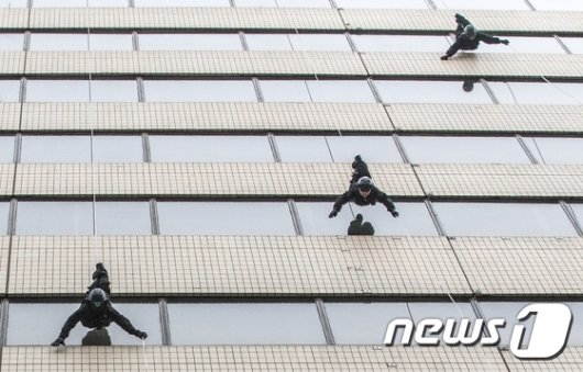 [사진]'도심 테러 경찰특공대가 제압하겠습니다'