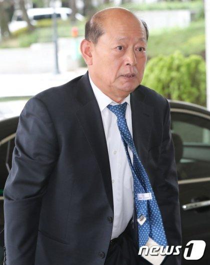 [사진]송두환 위원장 '검찰개혁을 위해'