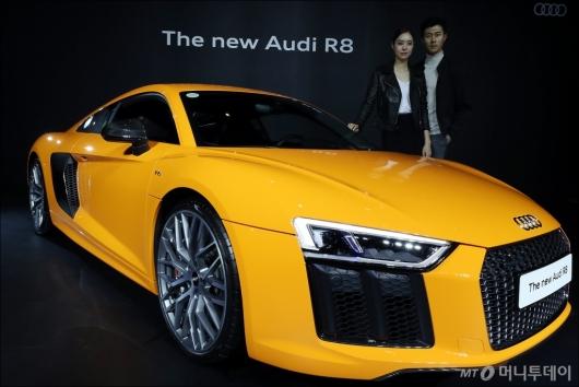[사진]아우디 '더 뉴 R8 V10 플러스 쿠페로 국내 판매 재시동'