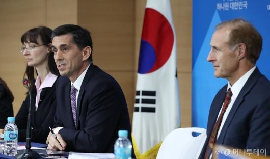"""[사진]IMF, """"韓 올해 성장률 3.2%로 전망"""""""