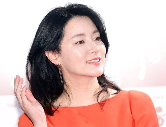 """이영애·유재석… """"포항 돕자"""" 거액 기부"""