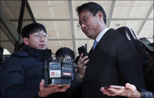 [사진]김태효 전 비서관, '굳게 다문 입'