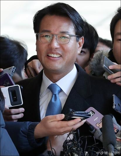 [사진]미소 짓는 김태효 전 비서관