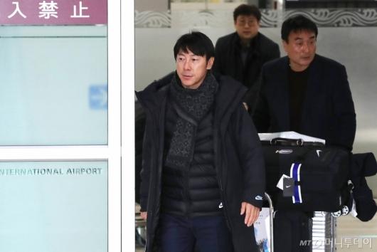 [사진]동아시안컵 마치고 귀국하는 신태용 감독