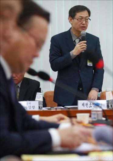 [사진]행안위 출석한 이상민 제천소방서장