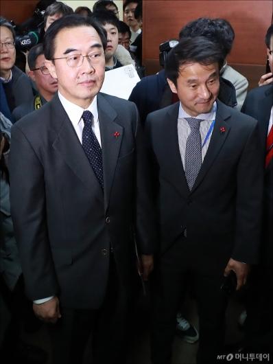 [사진]자유한국당 찾은 조명균-한병도