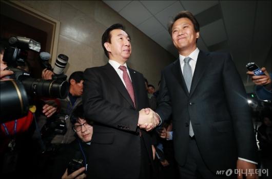 [사진]임종석 비서실장, 김성태 원내대표 예방