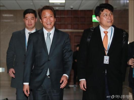 [사진]국회 찾은 임종석 비서실장