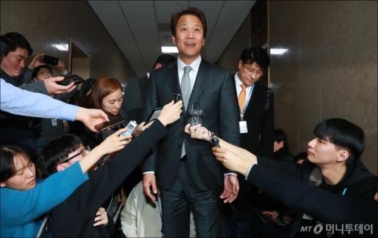 [사진]임종석 국회 방문 '관심집중'