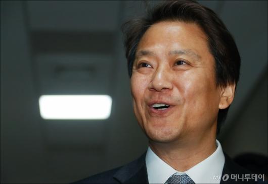 [사진]밝은 표정의 임종석 대통령 비서실장