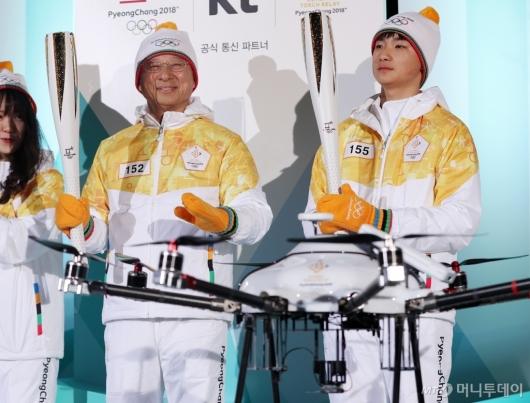 [사진]5G 기술과 함께하는 KT강창규 회장-김민찬선수