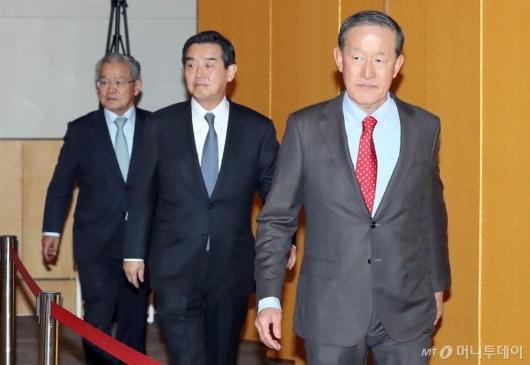 [사진]정기총회 참석하는 허창수 회장