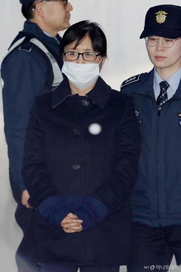 [사진]법원 들어서는 최순실