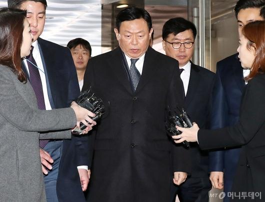 [사진]법정 향하는 신동빈 회장