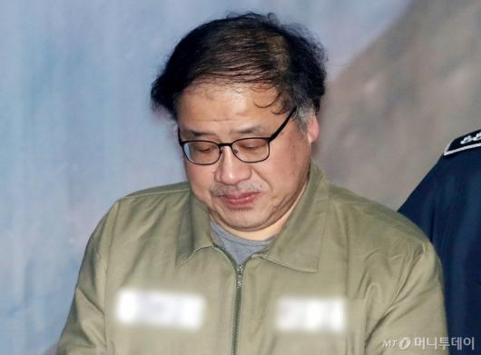 [사진]고개 떨군 안종범