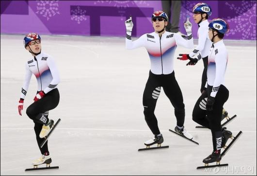 [사진]남자계주 5000m '예선 1위'