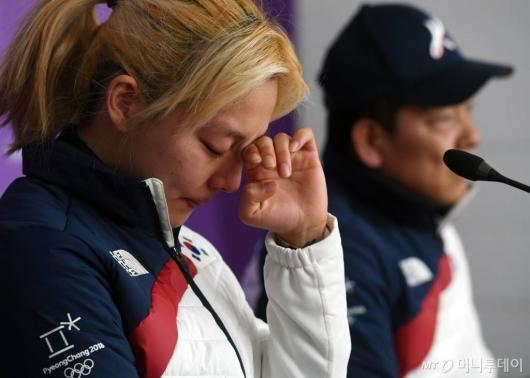 찜찜한 기자회견…빙상연맹이 부른 자충수