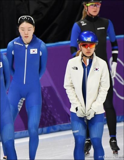 [사진]함께 훈련 준비하는 노선영-김보름