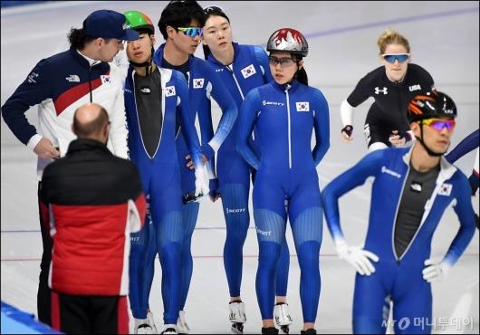 [사진]훈련 준비하는 스피드스케이팅 대표팀