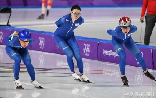 [사진]훈련하는 김보름-노선영-박지우