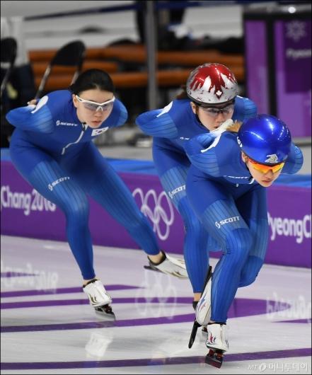 [사진]훈련하는 노선영-박지우-김보름