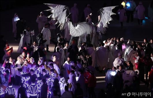 [사진]'올림픽 클럽에 나타난 인면조'
