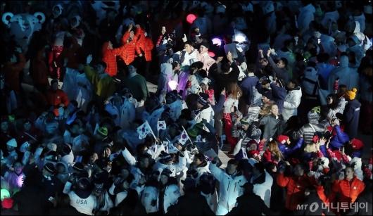 [사진]올림픽 참가자 모두 'EDM을 즐겨'