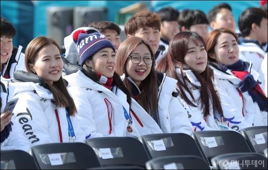 [사진]여자 컬링 대표팀, '이제 끝이다'