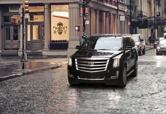[시승기]캐딜락 정체성 극대화 대형 SUV '에스컬레이드'