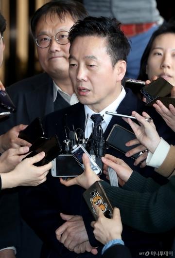 [사진]입장 밝히는 정봉주 전 의원