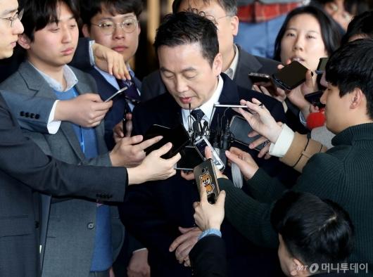 [사진]고개 숙인 정봉주 전 의원
