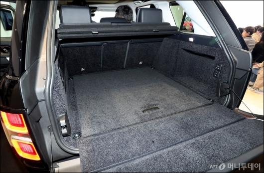 [사진]뉴 레인지로버, '넓직한 트렁크'