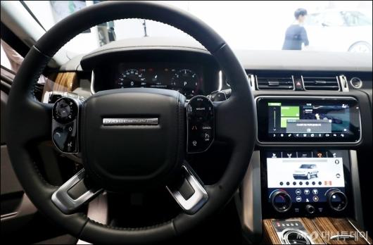 [사진]운전자 편의성 갖춘 '뉴 레인지로버'