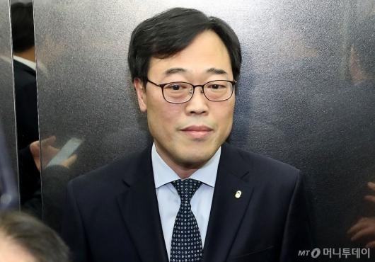 [사진]간담회 마친 김기식 금감원장
