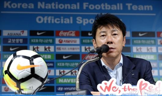 [사진]신태용 감독, 2018 러시아 월드컵 기자회견
