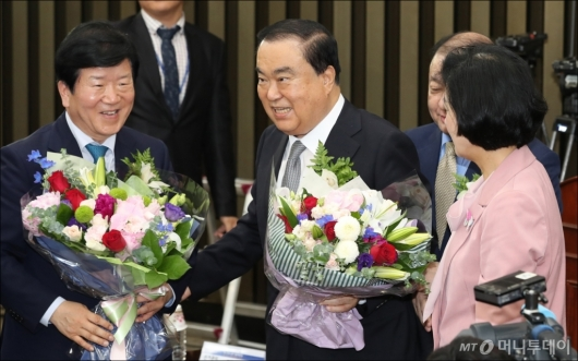 [사진]국회의장 후보 선출된 문희상 의원