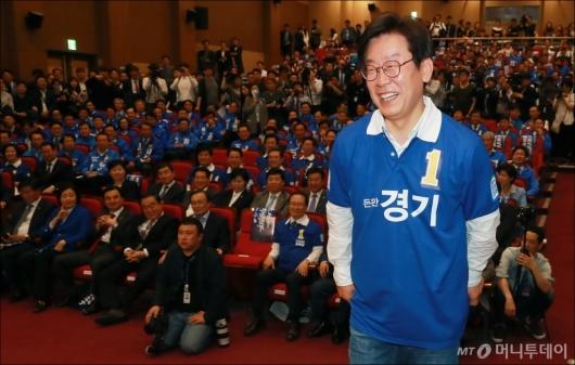 [사진]활짝 웃는 이재명 경기도지사 후보