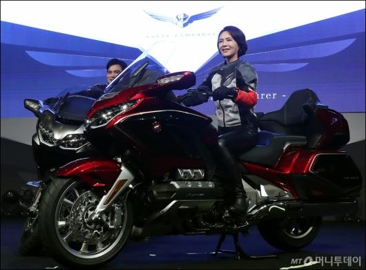 [사진]최첨단 장비 탑재한 '2018 올 뉴 골드윙'