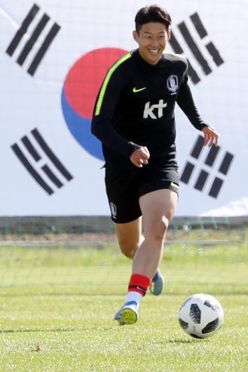 [사진]손흥민, '16강을 향해'