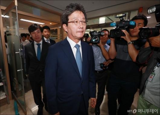 [사진]유승민, 바른미래당 공동대표 사퇴...선거 참패 책임