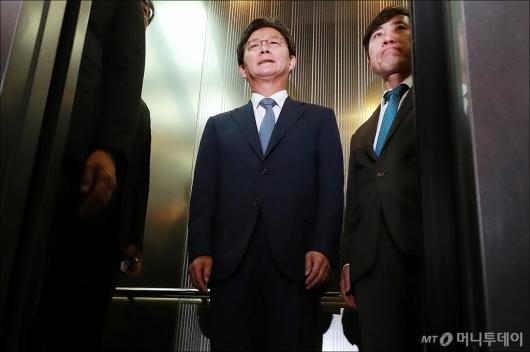 [사진]사퇴한 유승민 바른미래당 전 대표