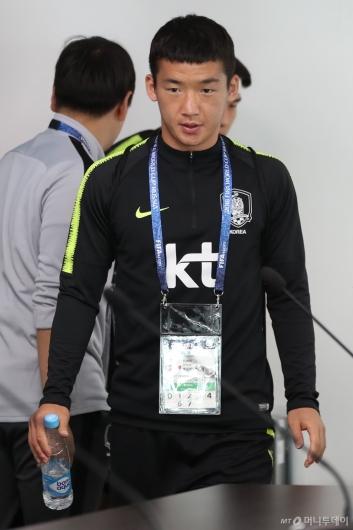 [사진]기자회견 참석하는 김민우