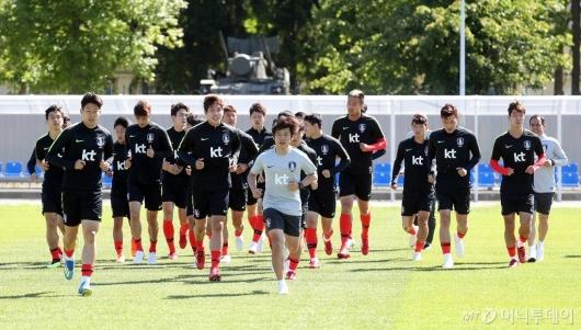 [사진]몸 푸는 축구대표팀