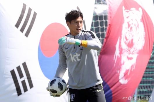 [사진]훈련하는 김진현