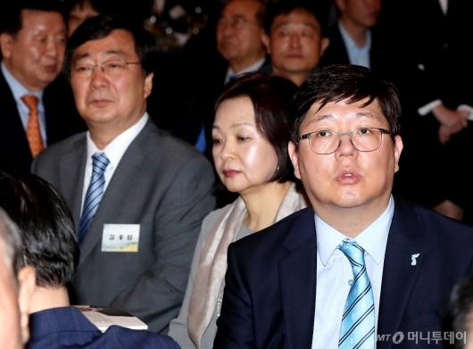[사진]6.15 남북정상회담 18주년 기념식 참석한 김홍업-김홍걸
