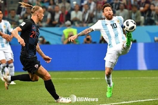 아르헨티나, 크로아티아에 3-0 대패