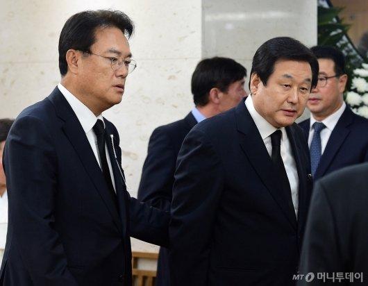 [사진]JP 빈소에서 만난 김무성-정진석