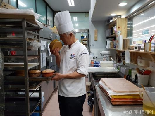 [빨간날] 대형빵집 물리친 30년 된 '수락산 빵'의 힘