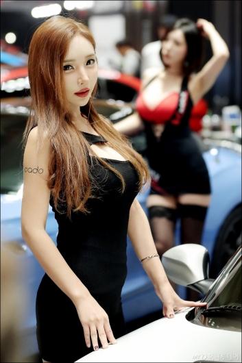 [사진]서울오토살롱에 나타난 '미녀'