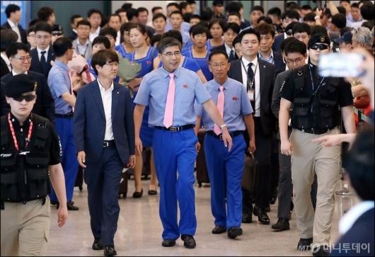 [사진]아시안 게임 훈련 위해 방남한 '북측 선수단'